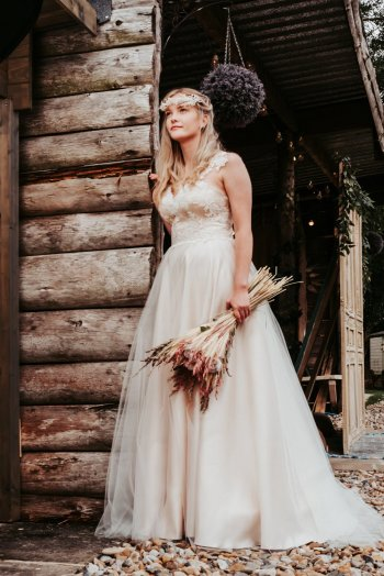 A Rustic Wedding Shoot (c) Never Ending Stories (19)