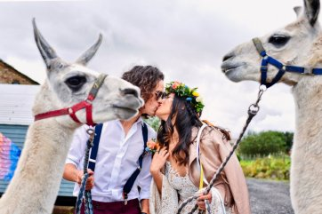A Colourful Festival Wedding Shoot at The Wellbeing Farm (c) Jules Fortune Photography (22)