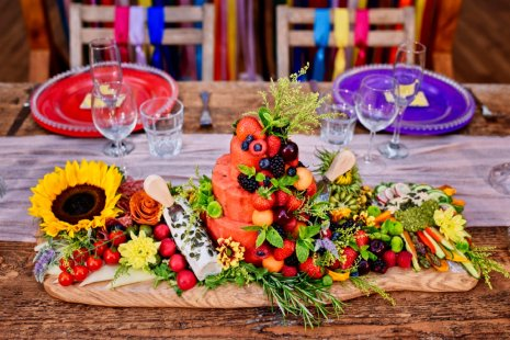 A Colourful Festival Wedding Shoot at The Wellbeing Farm (c) Jules Fortune Photography (4)