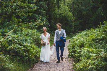 A Rustic Wildflower Micro Wedding (c) Weddings By Foyetography (25)