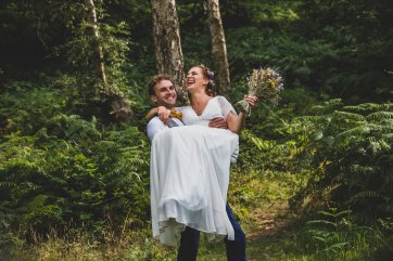 A Rustic Wildflower Micro Wedding (c) Weddings By Foyetography (26)