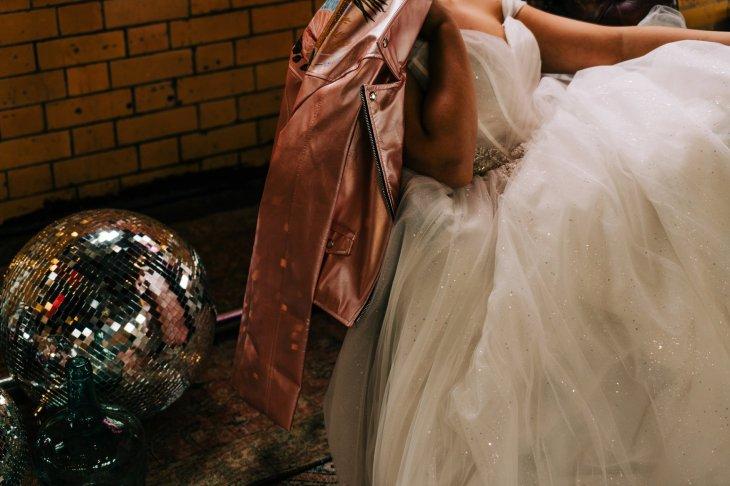 An Urban Wedding Styled Shoot at Kelham Island Museum (c) Veil & Gun Photography (14)