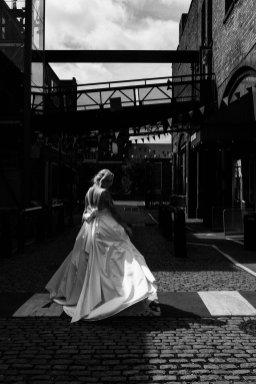 An Urban Wedding Styled Shoot at Kelham Island Museum (c) Veil & Gun Photography (3)