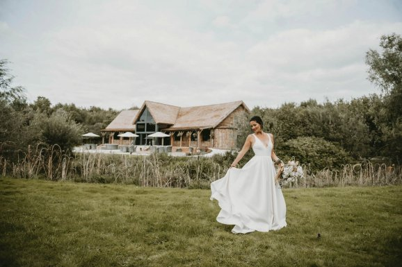 Luxe Rustic Wedding Shoot at The Grand Lodge at Oaklands (c) Louise Pollitt Photography (39)