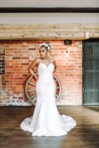 A Colourful Bridal Fashion Shoot at Deighton Lodge (c) Sasha Lee Photography (20)
