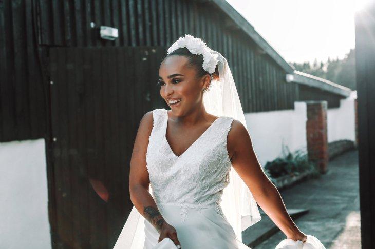 A Colourful Bridal Fashion Shoot at Deighton Lodge (c) Sasha Lee Photography (29)