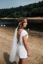 Waterside boho wedding shoot at Damflask Reservoir (c) Fox Moon Photography (6)