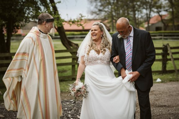 A Rustic Wedding In Loversall (c) Hannah Brooke Photography (21)