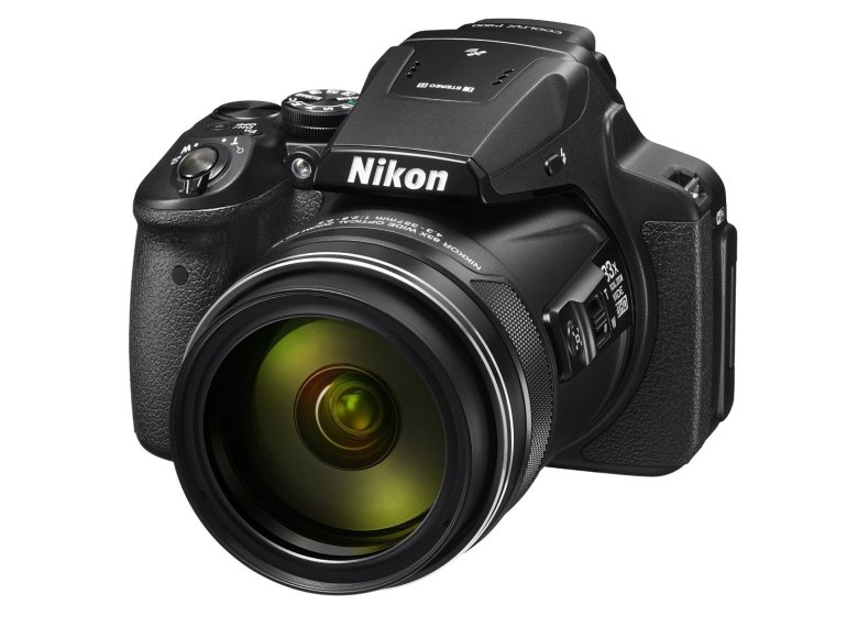Nikon Coolpix P900 bridge camera