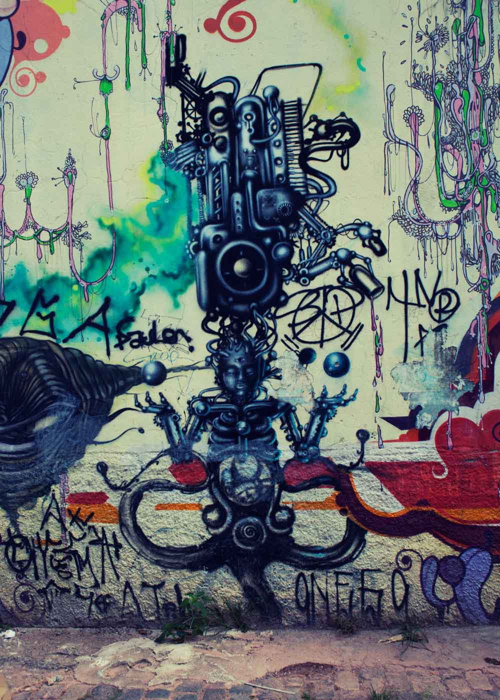 mediation graffiti Sao Paulo