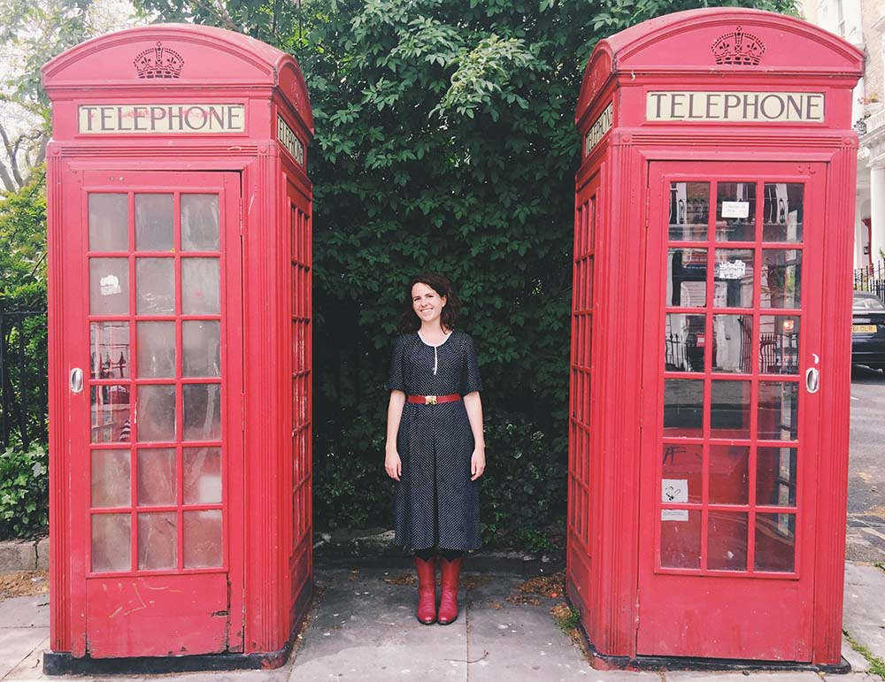Victoria between two London telephone boxes