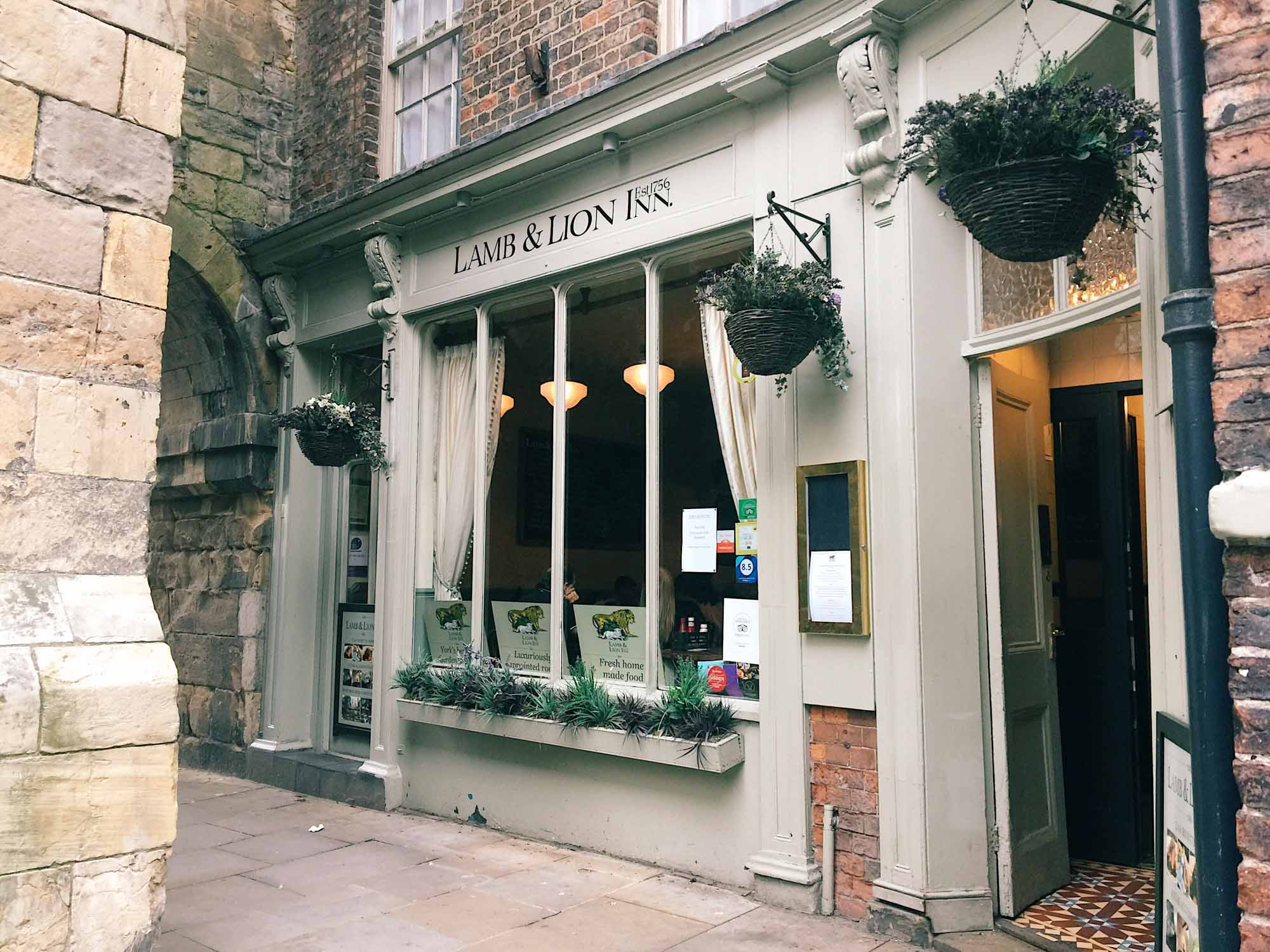 Best things to do in York - Sunday Roast at Lamb and Lion