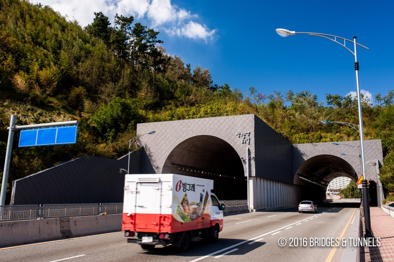 Bangjangsan Tunnel and Bridge