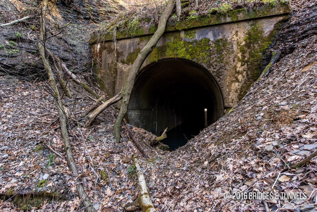 Newcomerstown Tunnel (Cleveland & Marietta Railway)
