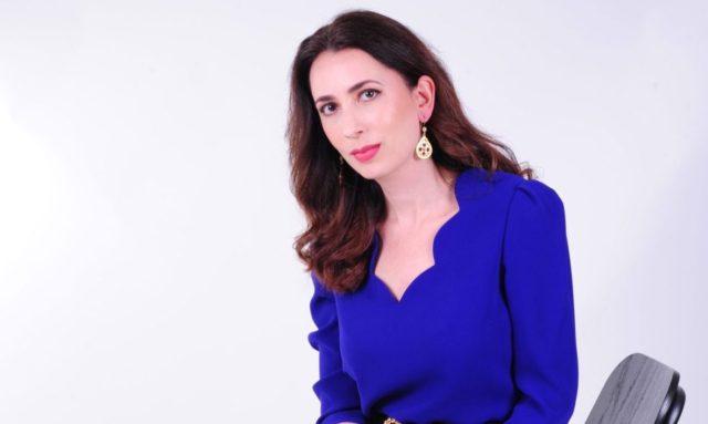 Roxana Mohammadian-Molina Blend Network