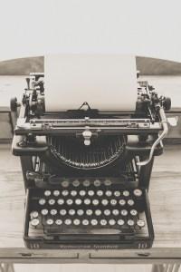 black vintage typewriter 163084