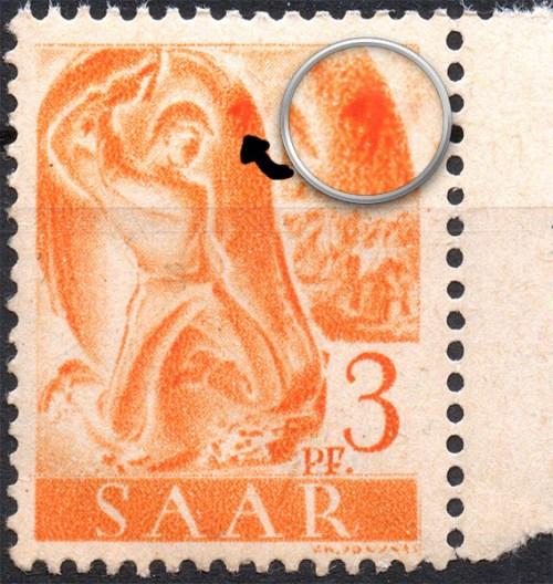Scan mit Lupe: Plattenfehler 207 II - großer Fleck rechts am Höhlenrand