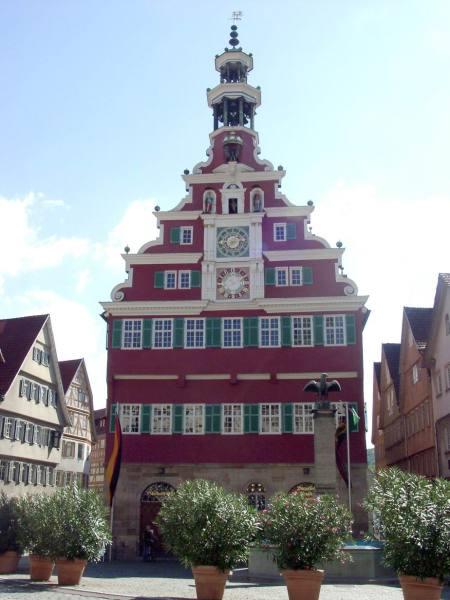Vorderansicht: Altes Rathaus Esslingen am Neckar - Quelle: Wikipedia/ [1]