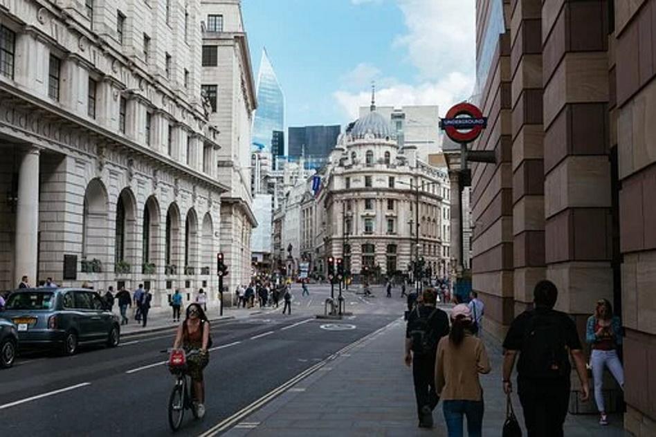 Le marché londonien des assurances souhaite se féminiser