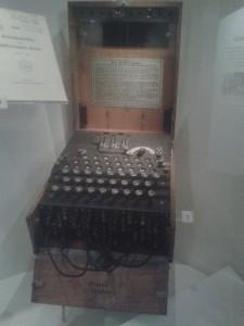 Una replica della famigerata macchina Enigma