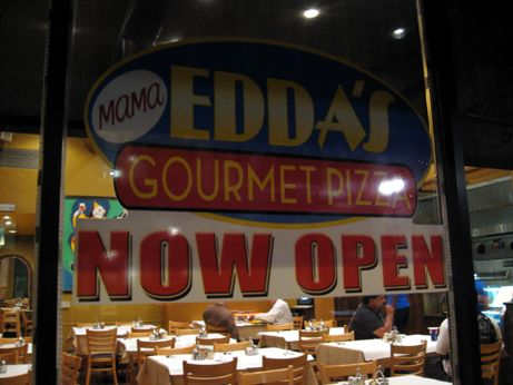 Mama Eddas Pizza had its first soft opening on Thursday night (9/10/09) in the former Mannys Pizza space in Old Pasadena