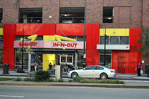 An urban format location for In-N-Out Burger in Glendale along Brand Blvd (Photo: colonelchi)