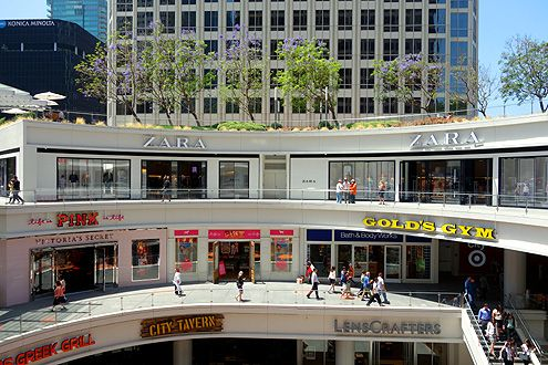 The Zara store is located on the ground level at FIGat7th with the men's store on the left and the women's/children's store on the right