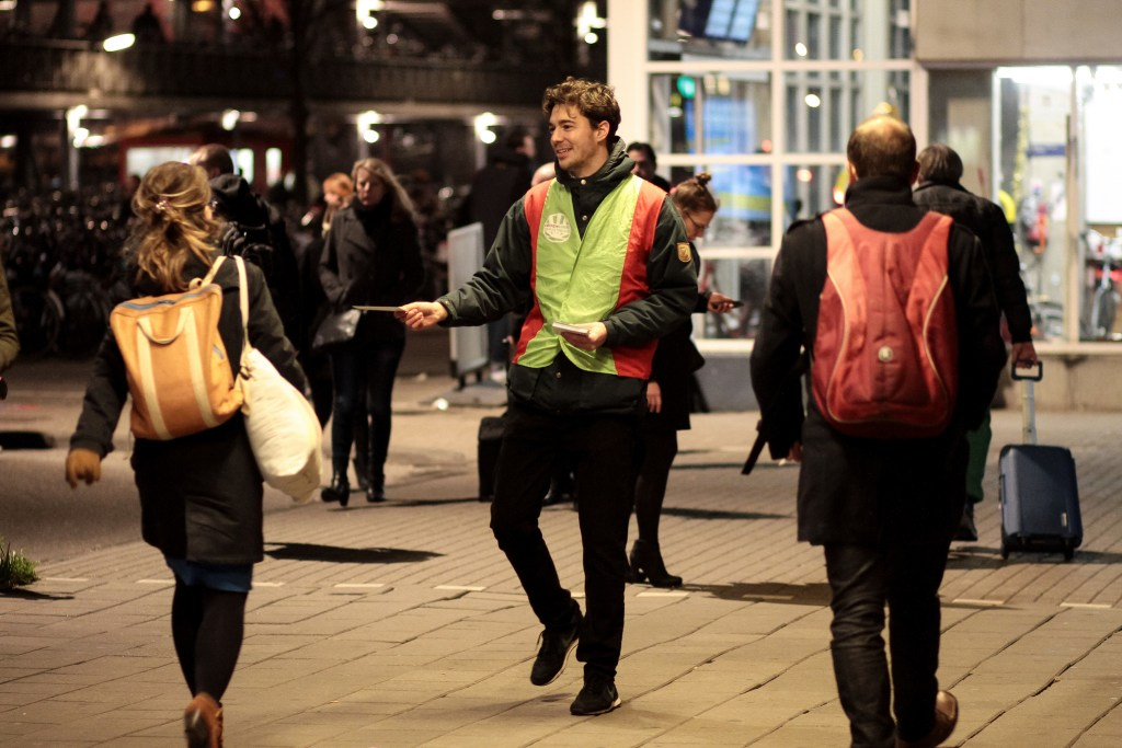 GroenLinks campaigning in Amsterdam. The party may feel they have earned a place in Government after the hard-fought gains they made in the 2017 election. Photo by Roel Driever, Flickr.