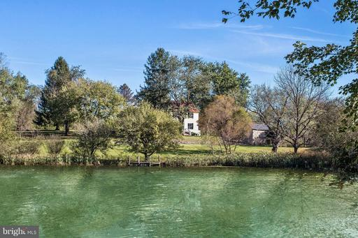 Property for sale at 11425 Harpers Ferry Rd, Purcellville,  Virginia 20132