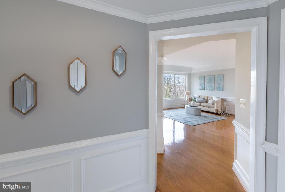 1555 N Colonial Terrace 500