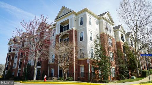 Property for sale at 3851 Aristotle Ct #01-421, Fairfax,  Virginia 22030