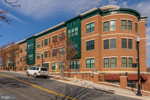 Property for sale at 2101 N Monroe St #404, Arlington,  Virginia 22207