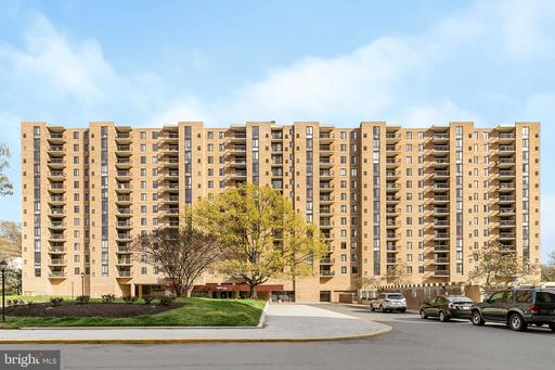 Property for sale at 4500 S Four Mile Run Dr #907, Arlington,  Virginia 22204