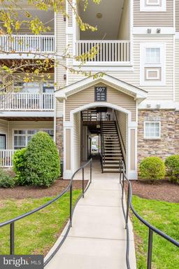 Property for sale at 507 Sunset View Ter Se #303, Leesburg,  Virginia 20175