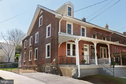 Property for sale at 221 Chestnut Ave, Ardmore,  Pennsylvania 19003