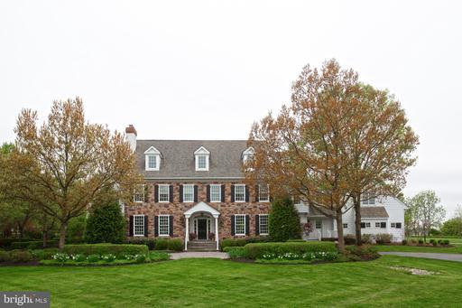 Property for sale at 11 Greenbriar Cir, Newtown,  Pennsylvania 18940