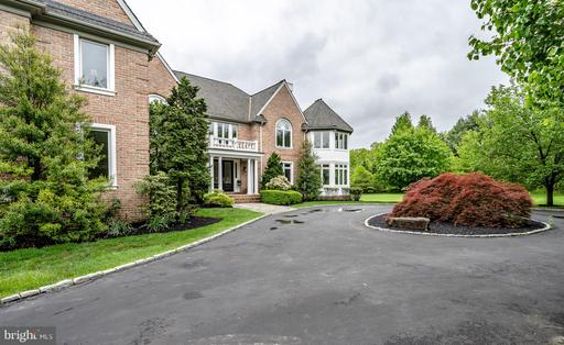 Property for sale at 2 Dovecote Ln, Malvern,  Pennsylvania 19355