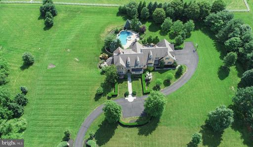 Property for sale at 2 Old Cabin Rd, Newtown,  Pennsylvania 18940