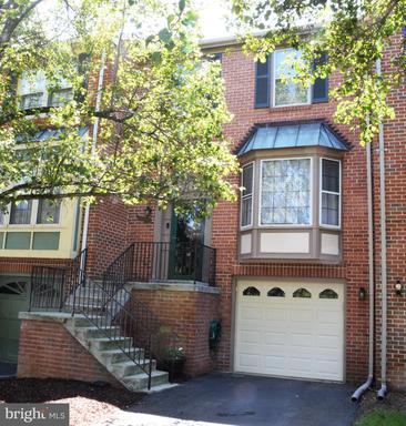 Property for sale at 613 Davis Ave Sw, Leesburg,  Virginia 20175