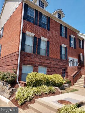 Property for sale at 672 Gateway Dr Se #603, Leesburg,  Virginia 20175