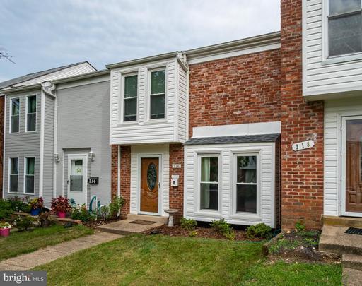 Property for sale at 316 Roanoke Dr Se, Leesburg,  Virginia 20175