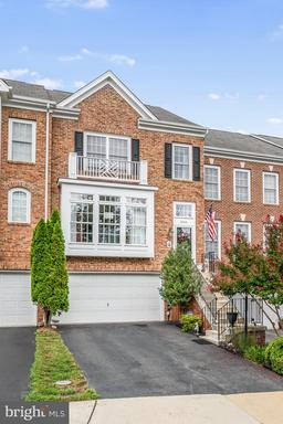 Property for sale at 18453 Montview Sq, Leesburg,  Virginia 20176