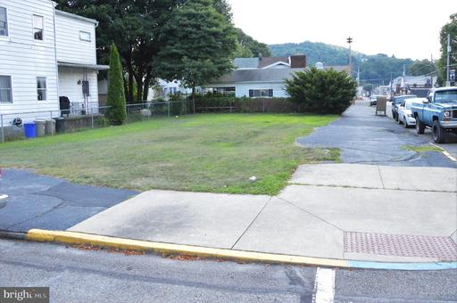 Property for sale at 100 S Nicholas St, Saint Clair,  Pennsylvania 17970