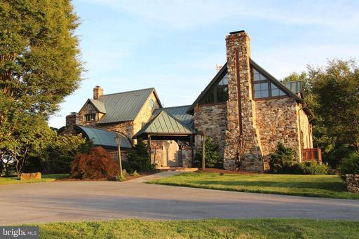 Property for sale at 8 Stillmeadow Ln, Malvern,  Pennsylvania 19355