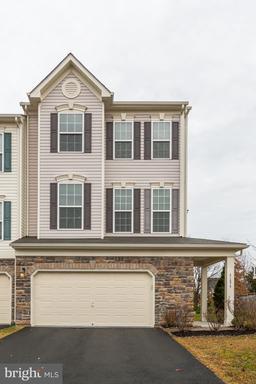 Property for sale at 41879 Diamondleaf Ter, Aldie,  Virginia 20105