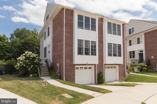 Property for sale at 527 Kingsley Ct, Philadelphia,  Pennsylvania 19128