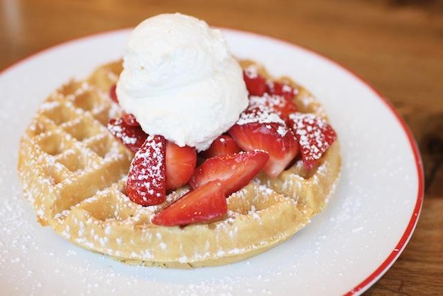 FFDC FarmhouseWaffleStrawberry_small