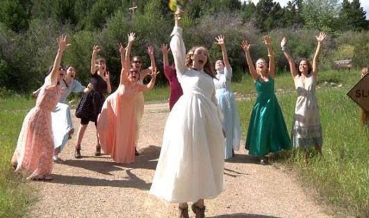 112_Weddings_Dogwoof_Docu-482002