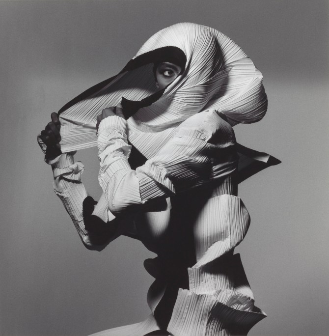 Irving Penn, Issey Miyake Fashion: White and Black, New York, 1990, printed 1992, Smithsonian American Art Museum, Gift of The Irving Penn Foundation. Copyright © The Irving Penn Foundation
