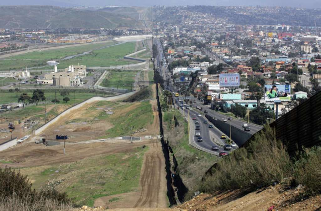 How much will Trump's wall cost? And how will it affect residents of border towns?